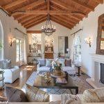 Rustic interior design - Tyra Banks's living room