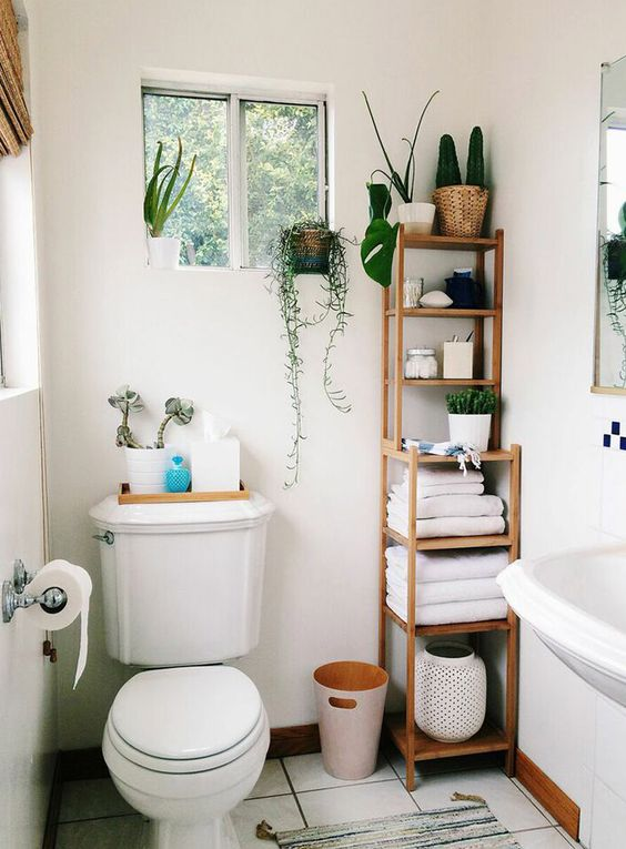 Small bathroom ideas - tall shelving