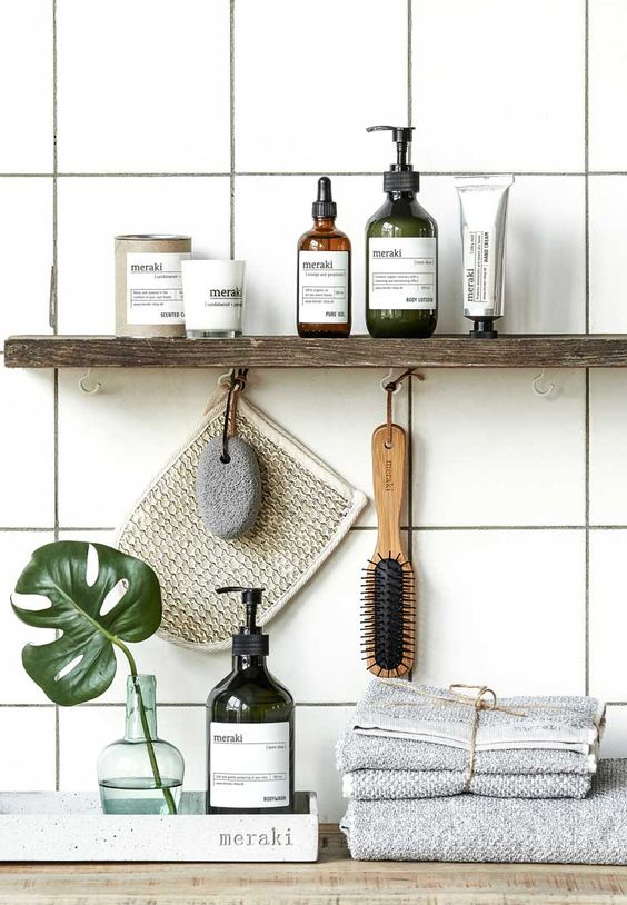 Small bathroom ideas - small hooks for small items
