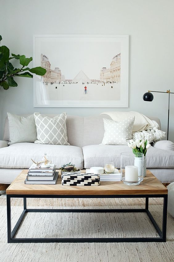 Small living room ideas - coffee table decor