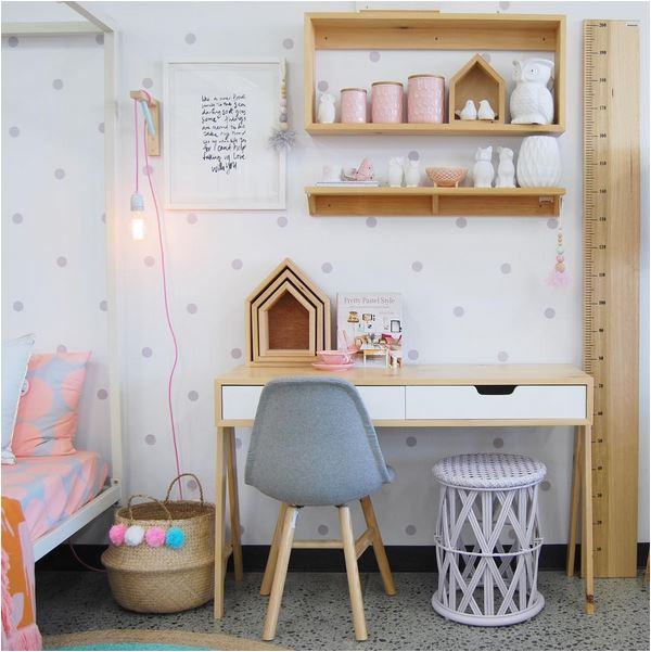 Small bedroom decorating ideas - girl's pink and natural desk
