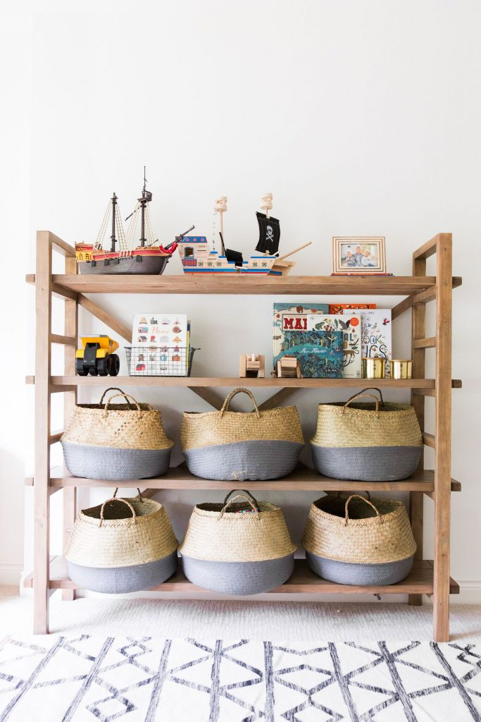 Small bedroom decorating ideas - kid's basket storage shelf