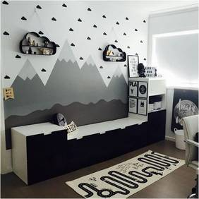 Kid's bedroom mountains wall