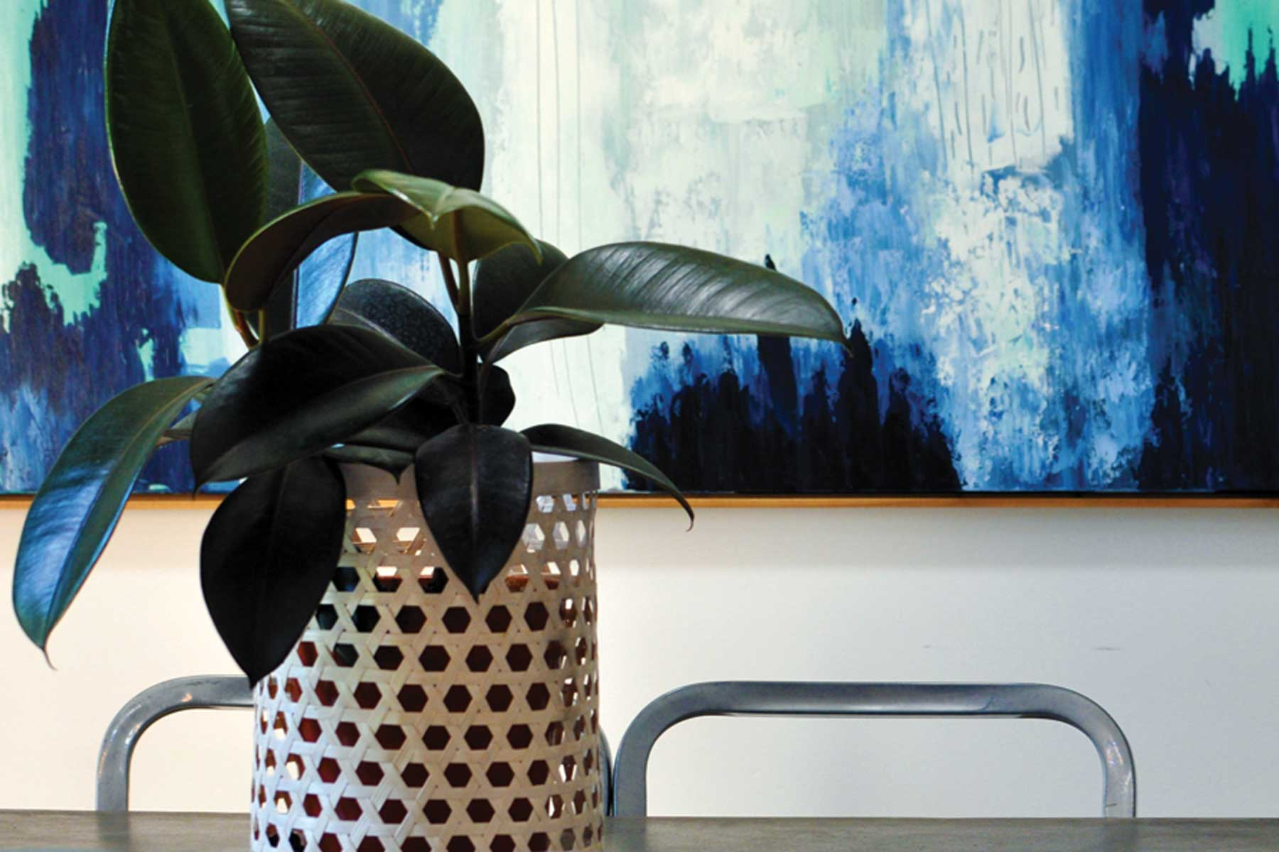 Amandas scandi living room - after - dining table plant