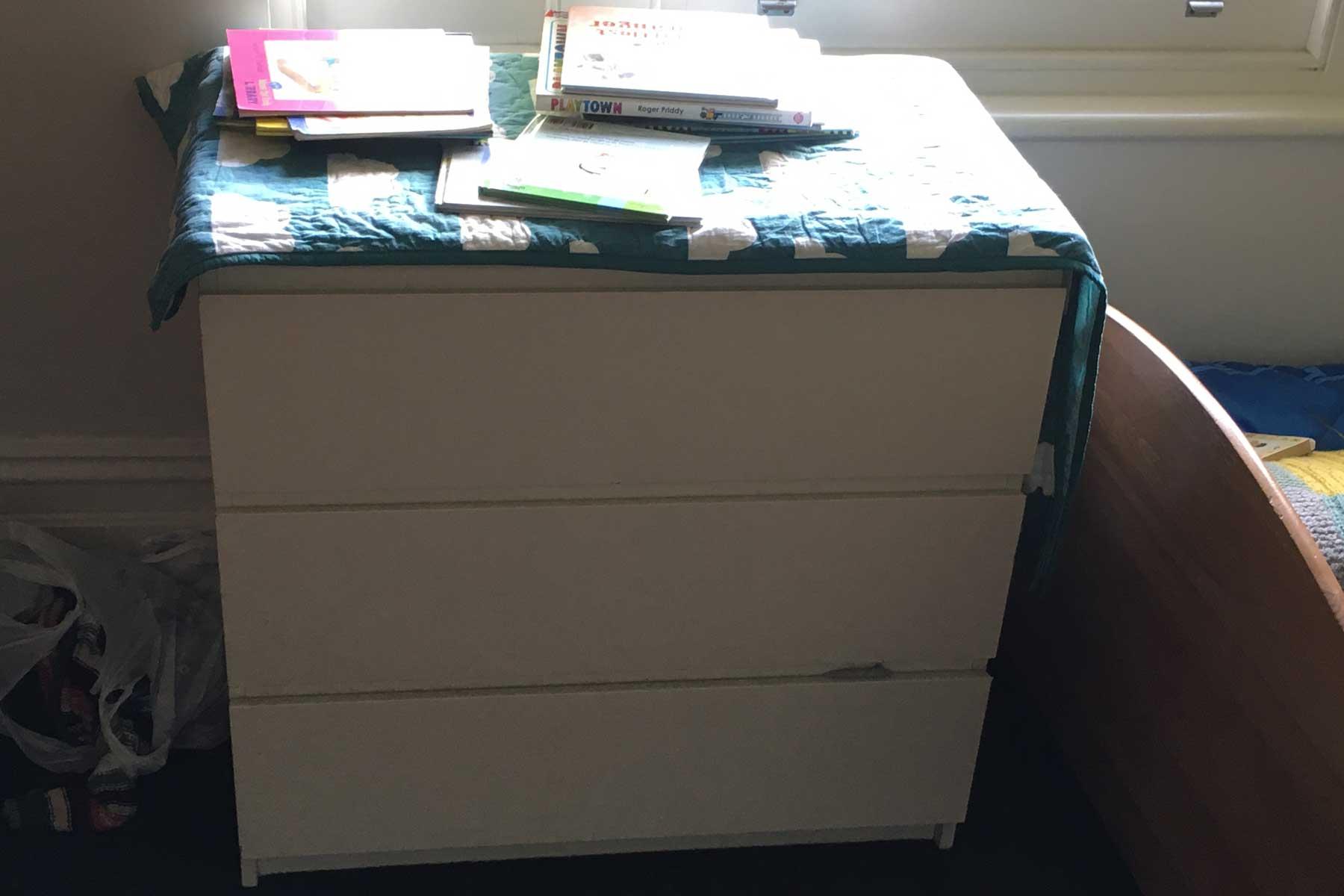 Lauras scandi home office - before - chest